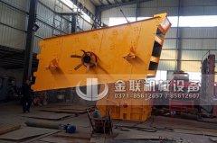 石料生产线设备发往重庆_1214反击式破碎机_1548圆振动筛